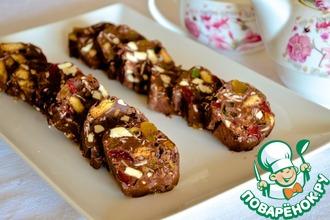 Рецепт: Шоколадное пирожное с орехами и фруктами