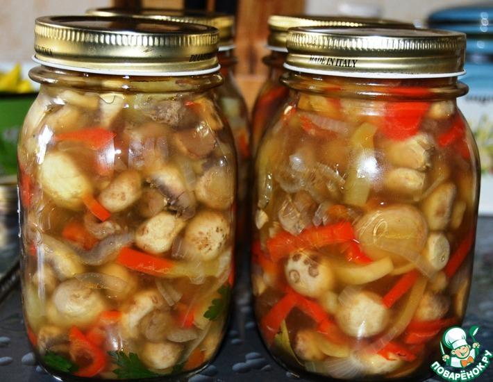 Рецепт: Салат из шампиньонов с перцем на зиму