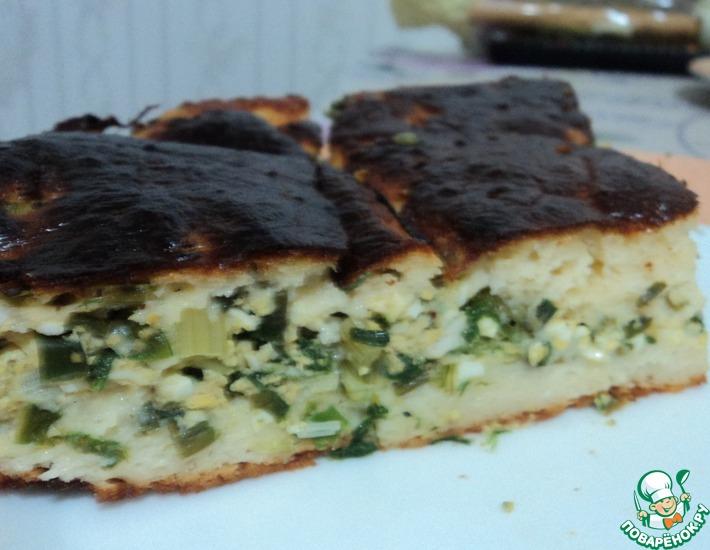 Рецепт: Заливной пирог с зелёным луком и яйцом