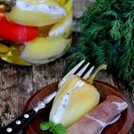 Закуска из маринованного перца с брынзой