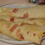 Горячие пшенные вафли с беконом и сыром