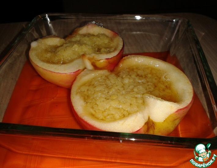 Рецепт: Пшенная каша в яблоке