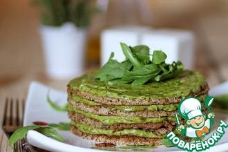 Рецепт: Закусочный торт из гречки с кремом из авокадо и рукколы