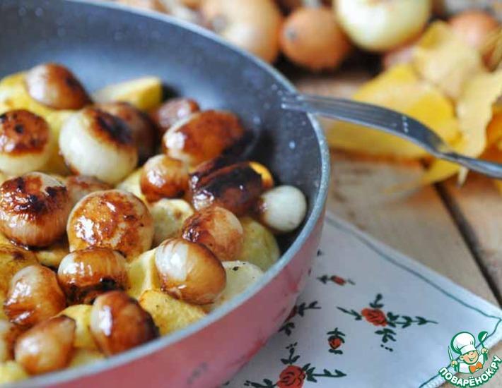 Рецепт: Жареный картофель с карамелизированным луком