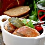 Сельдь, маринованная в пряном томатном соке