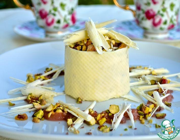 Рецепт: Фисташковое парфе с белым шоколадом и грушевым соусом