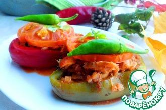 Рецепт: Перец фаршированный жареной курочкой с гречкой и черносливом