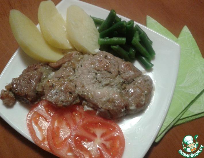 Рецепт: Эскалоп из свинины в сметанном соусе