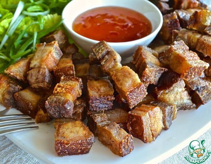 Рецепт: Хрустящая свинина по-филиппински Лечон-кавали