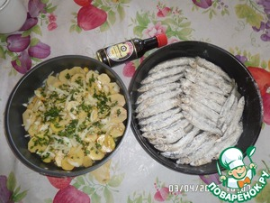 Разогреваем духовку и ставим одновременно 2 противня - с овощами и с рыбой.