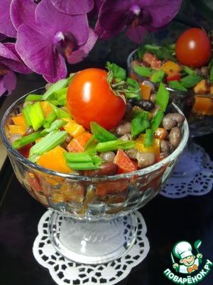 Заправить салат. Добавить зелень, перемешать и оставить на 1 час, периодически помешивая. Салат готов. Угощайтесь!