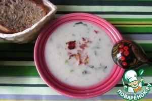 Наливаем суп в тарелку и кладем столовую ложку бекона.   Угощайтесь!