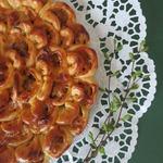 Мясной пирог с соусом барбекю