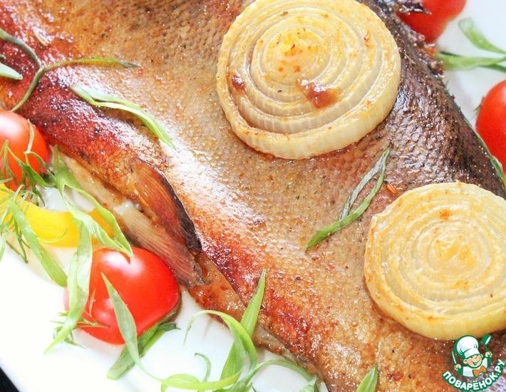 Рецепт: Форель в пряном маринаде с луком