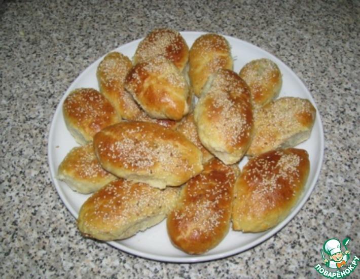 Рецепт: Пирожки с печенью и кунжутом