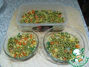 Next layer the carrots (out of stock), cut at random, then, corn, peas, parsley and then the final moment of finely chopped garlic.