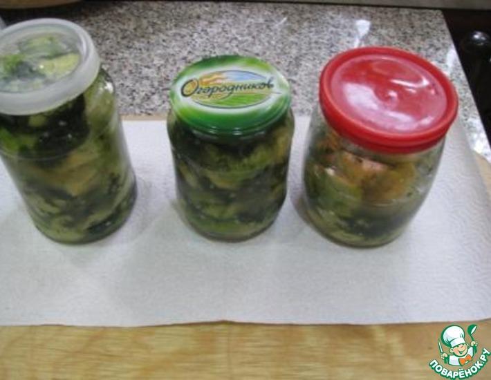 Рецепт: Скорая закуска из маринованных кабачков