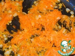 Лук и морковь обжарить.