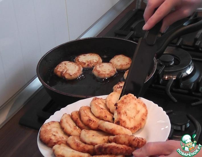 Рецепт: Сырники из зернёного творога
