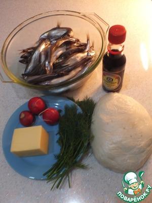 Заранее готовим тесто, смешиваем ингредиенты и замешиваем, чтобы не липло к рукам