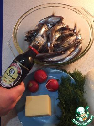 Маринуем рыбу в соевом соусе минут 30. Рыбу можно не солить, так как она возьмет соль из соуса