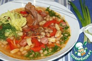Фасолевый суп с копченостями и галушками