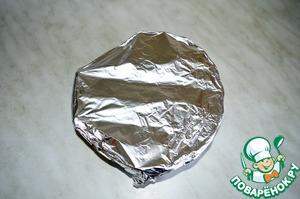 Перекладываем мясо в отдельную тарелочку и накрываем фольгой. Оставляем на 10 минут, мясо должно отдохнуть!
