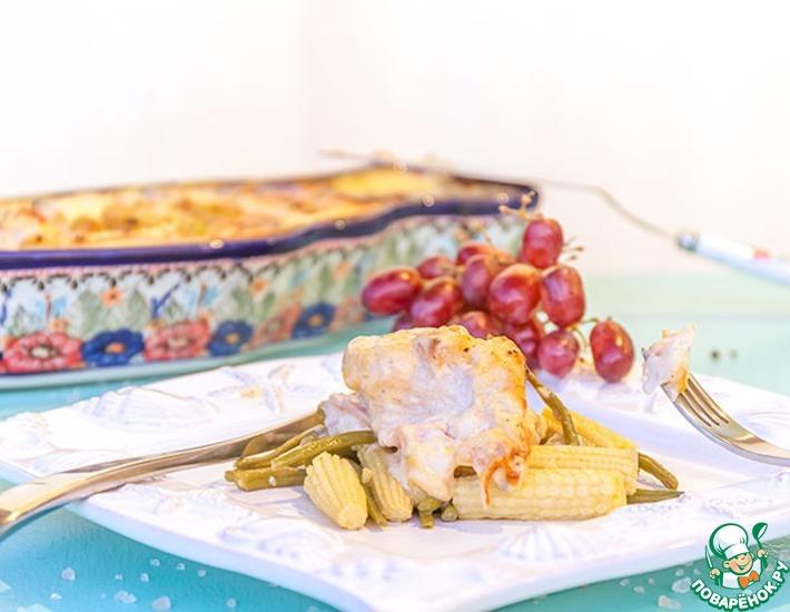 Рецепт: Окунь под сырно-виноградным соусом