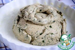 Оформить колоски в виде гнезда по центру и на верхушке буханки хлеба.