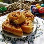 Ночные булочки с карамелью и орехами