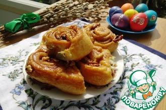Рецепт: Ночные булочки с карамелью и орехами