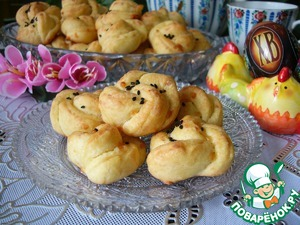 Very tasty these buns-flowers, which are very airy, crispy, sweet tea or coffee