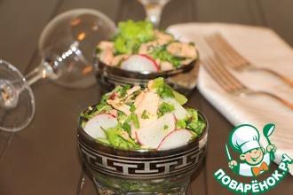 Рецепт: Зеленый салат с горбушей и редисом