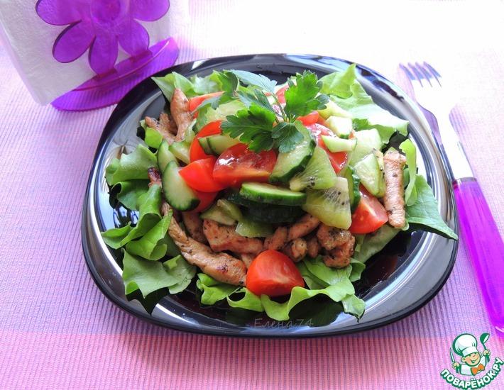 Рецепт: Салат с киви и курицей