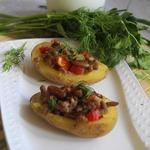 Картофель, фаршированный рагу