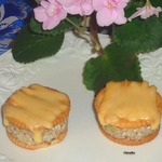 Крекер с начинкой под сырной шапочкой