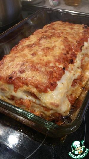 Lasagna with minced chicken a La Bolognese