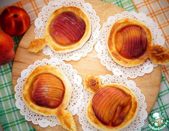 Рецепт: Быстрые пирожки с персиками