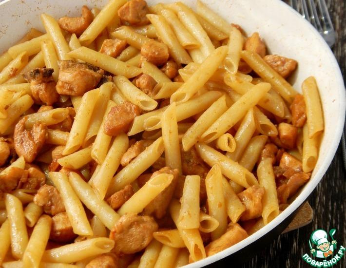 Рецепт: Паста с курицей, медом и соевым соусом