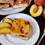 Персиково-сливовый пирог