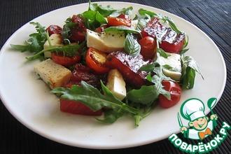 Рецепт: Салат с жареным арбузом, брынзой, помидорами