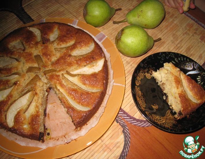 Рецепт: Грушевый пирог с орехами и шоколадом