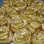 Яблочные пирожные Белые розы