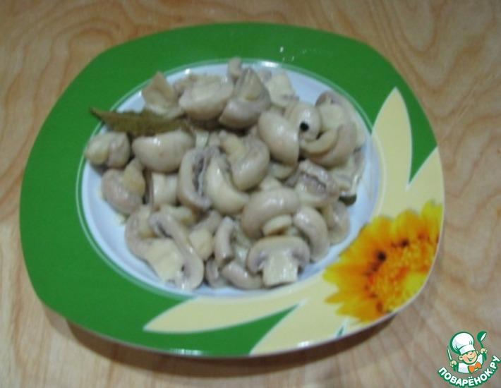 Рецепт: Скорые маринованные шампиньоны с обжаренным картофелем