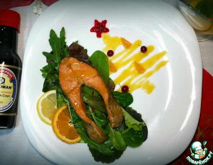 Рецепт: Стейк из форели в мандариновом соусе