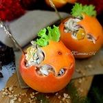 Новогодние апельсиновые шары с салатом