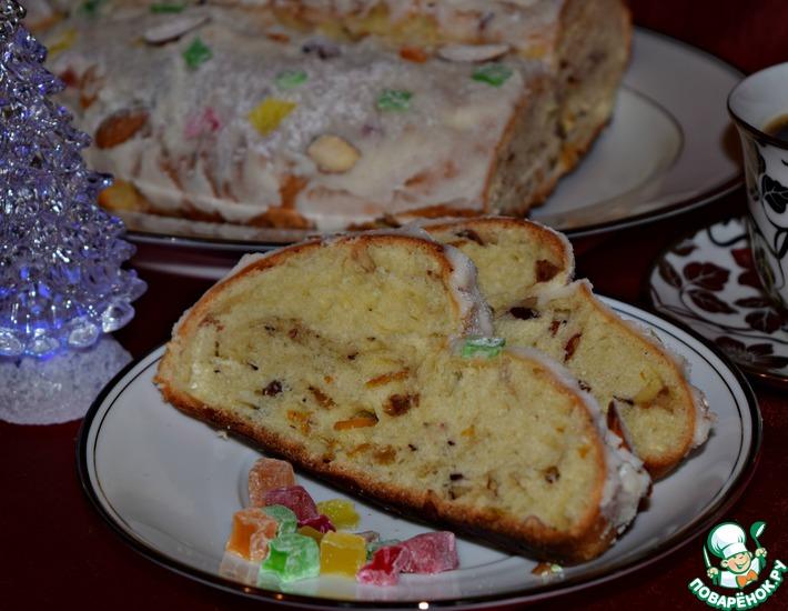Рецепт: Булка с миндалём и изюмом Праздничная