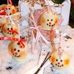 Шоколадные кейк-попсы Снеговики