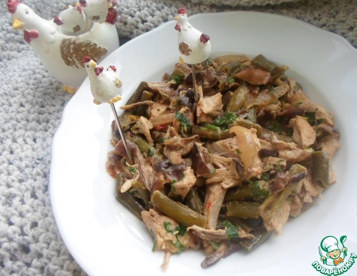 Рецепт: Курица, тушенная с фасолью и грибами