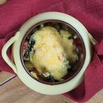 Картофель с курицей и сыром в горшочке